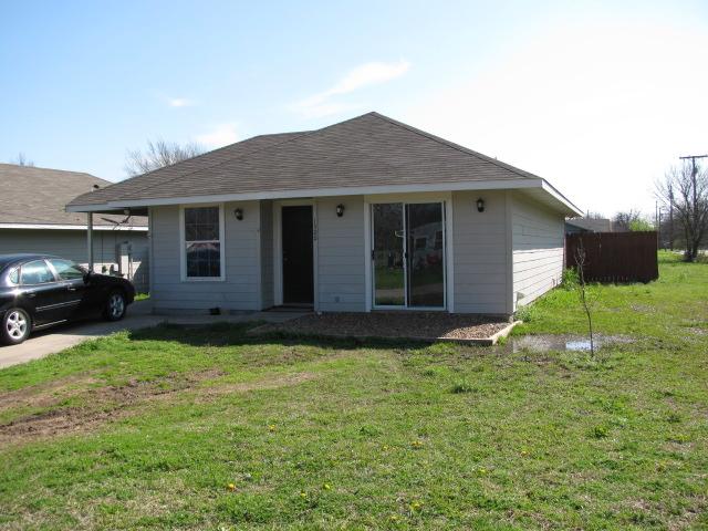 1500 Kennedy St, Bonham, TX 75418