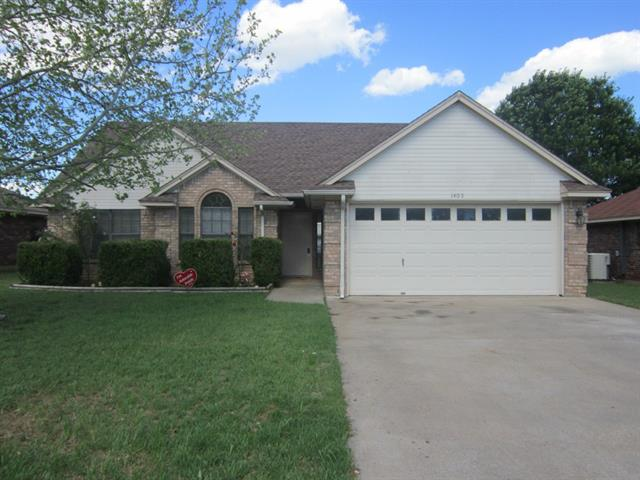 Rental Homes for Rent, ListingId:32646803, location: 1405 Spanish Oak Drive Granbury 76048