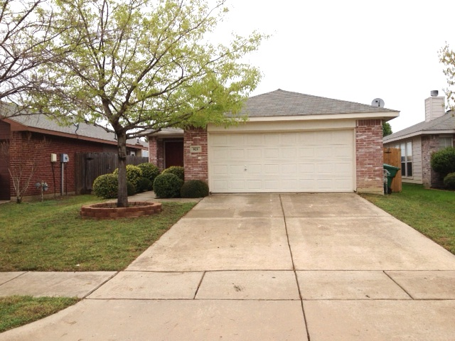 Rental Homes for Rent, ListingId:32792981, location: 821 Savage Drive Denton 76207
