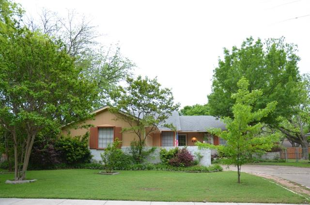 Rental Homes for Rent, ListingId:32838256, location: 631 Stardust Lane Richardson 75080