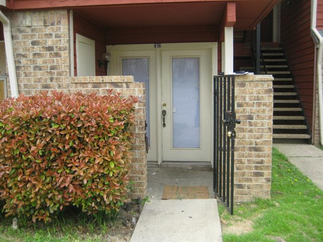 Rental Homes for Rent, ListingId:32772667, location: 9827 Walnut Street Dallas 75243