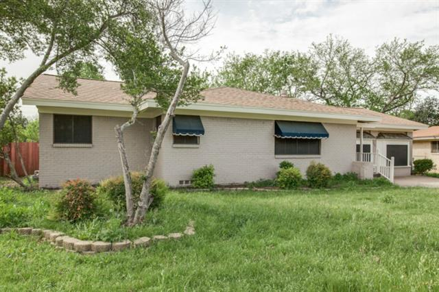 Rental Homes for Rent, ListingId:32792761, location: 7005 Overhill Road Ft Worth 76116