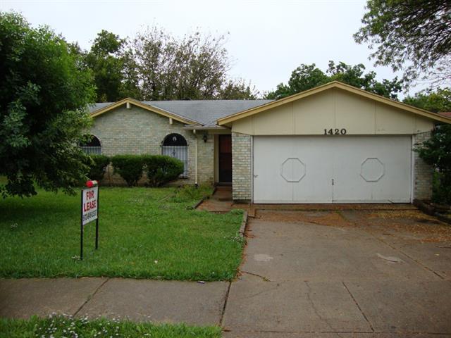 Rental Homes for Rent, ListingId:32818254, location: 1420 Roanoke Street Arlington 76014