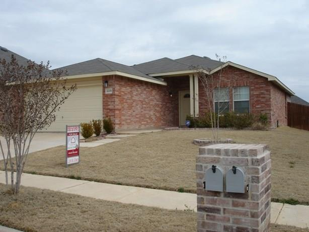 Rental Homes for Rent, ListingId:32838471, location: 6709 Corral Lane Denton 76210