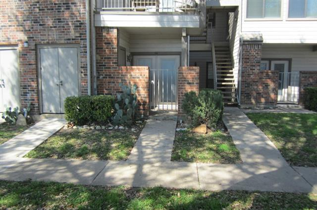 Single Family Home for Sale, ListingId:32838479, location: 3121 Sondra Drive Ft Worth 76107