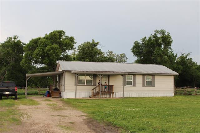 1200 E Fairview St, Blossom, TX 75416