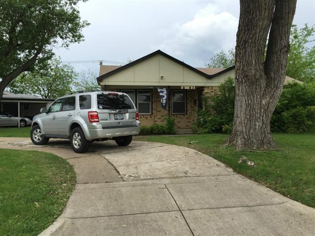 Rental Homes for Rent, ListingId:32888763, location: 2801 S Hills Avenue Ft Worth 76109
