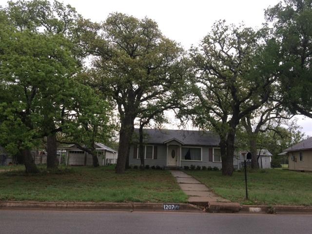 Photo of 1207 Plum  Graham  TX