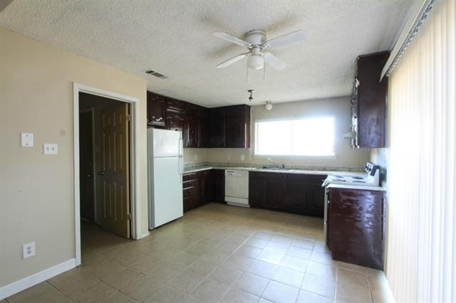 Rental Homes for Rent, ListingId:32959992, location: 4413 Menzer Road Ft Worth 76103