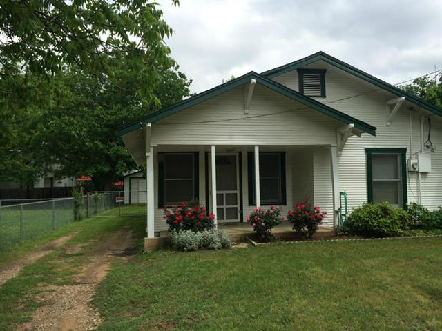 Rental Homes for Rent, ListingId:33037771, location: 1305 E Chambers Street Cleburne 76031