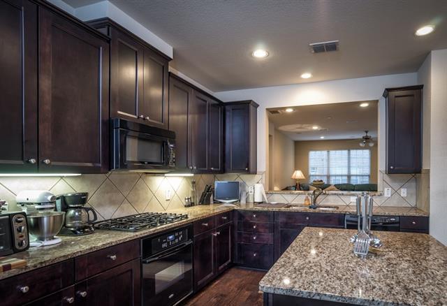 Rental Homes for Rent, ListingId:33055904, location: 3920 Amberwood Drive Addison 75001