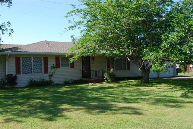 328 E North Front St, Frost, TX 76641