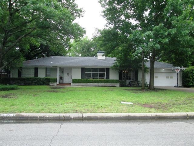 Rental Homes for Rent, ListingId:33467705, location: 5830 Northmoor Drive Dallas 75230