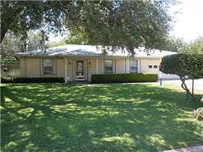 Rental Homes for Rent, ListingId:33240094, location: 3820 Sagebrush Road Benbrook 76116