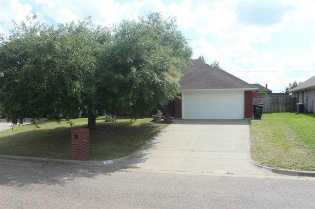 Real Estate for Sale, ListingId: 33489416, Cleburne,TX76033
