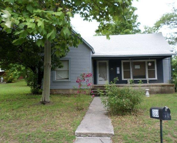 603 S Miller St, Decatur, TX 76234