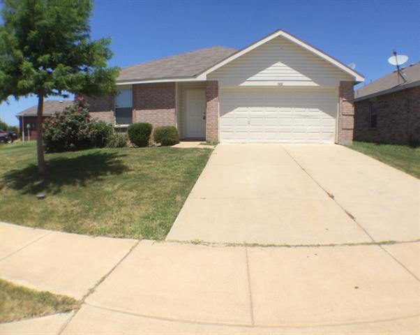 Rental Homes for Rent, ListingId:33969456, location: 1601 Queens Brook Lane Ft Worth 76140