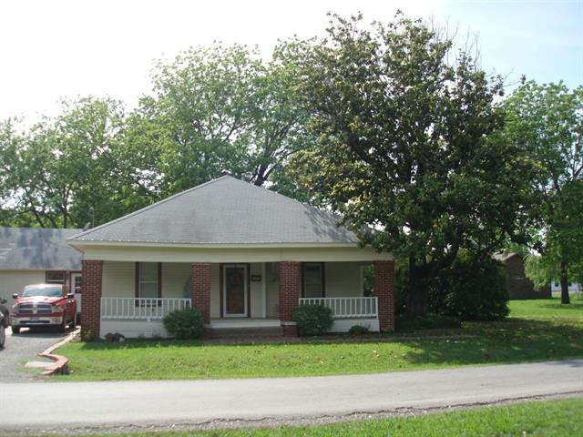 203 S White Oak, Dodd City, TX 75438