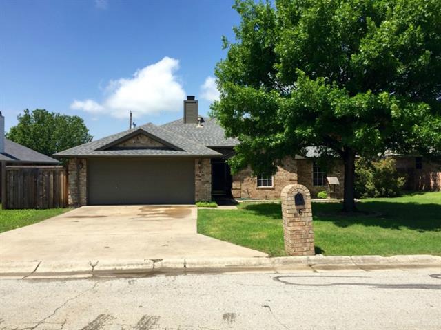 Rental Homes for Rent, ListingId:33391375, location: 6 W Sharon Drive Krum 76249