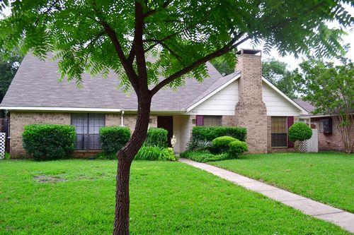 Rental Homes for Rent, ListingId:33352120, location: 1622 Meadowglen Lane Mesquite 75150