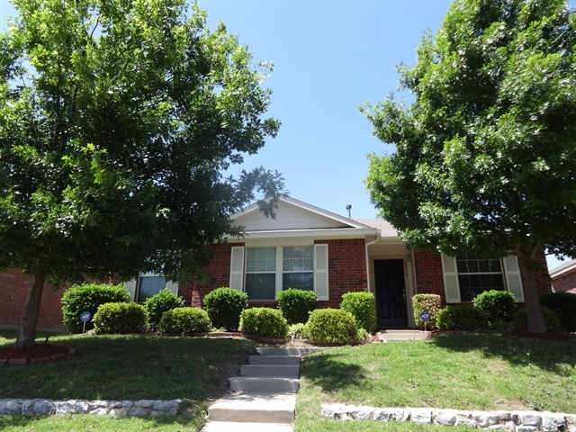 Rental Homes for Rent, ListingId:33352035, location: 2913 Midbury Drive Lancaster 75134