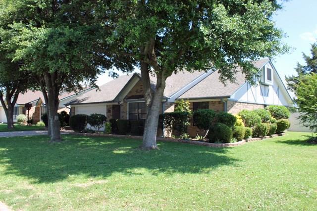 1025 Lincoln Dr, Sulphur Springs, TX 75482