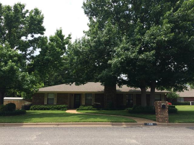 1400 S Rodgers Dr, Graham, TX 76450