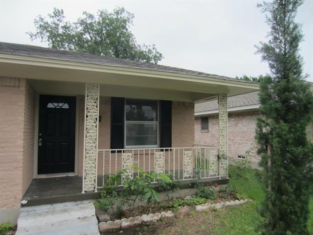Rental Homes for Rent, ListingId:33470976, location: 1525 Bardfield Avenue Garland 75041