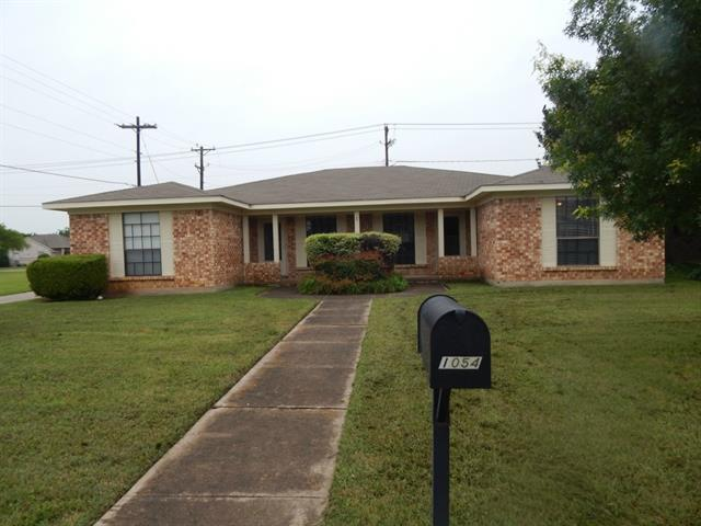 Rental Homes for Rent, ListingId:33489087, location: 1056 Cottonwood Trail Benbrook 76126