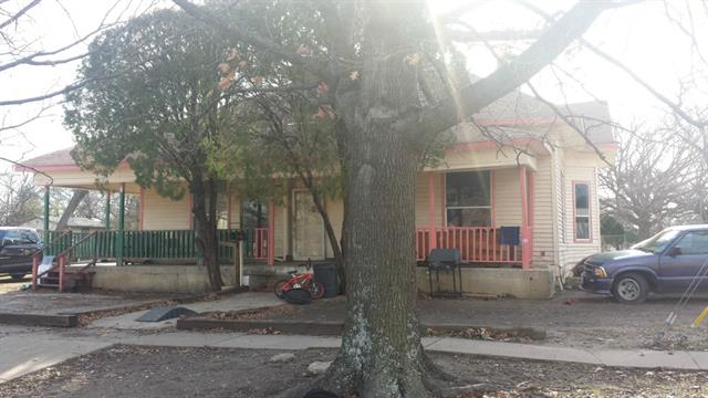 Photo of 801 S Dallas Street  Ennis  TX