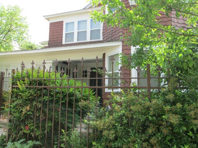 Rental Homes for Rent, ListingId:33510310, location: 203 N colson Dallas 75246