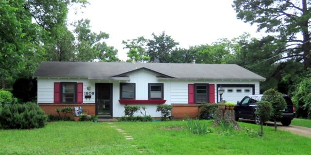 Single Family Home for Sale, ListingId:33517657, location: 1808 Friar Tuck Drive Arlington 76013