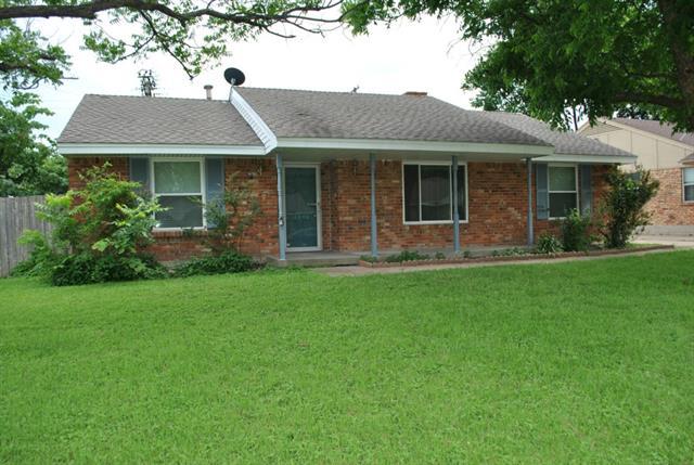 Rental Homes for Rent, ListingId:33517709, location: 10646 Chesterton Drive Dallas 75201
