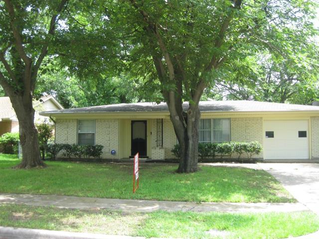 Rental Homes for Rent, ListingId:33523100, location: 2532 Highwood Drive Dallas 75228