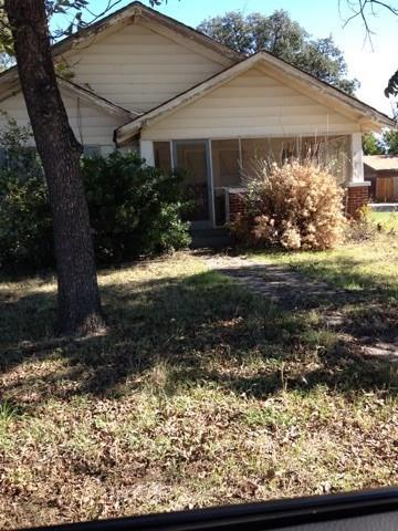 Photo of 710 N 3rd Avenue  Munday  TX