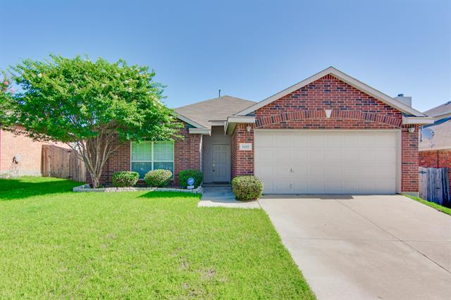 Rental Homes for Rent, ListingId:33569542, location: 5608 Seafield Lane Ft Worth 76135