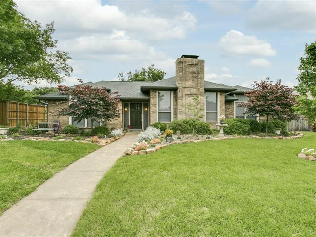 Rental Homes for Rent, ListingId:33569648, location: 2602 Ramblewood Drive Carrollton 75006