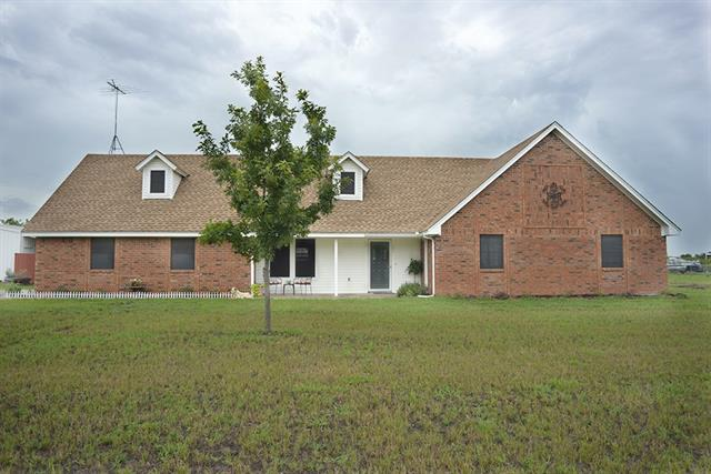 101 N Glen Cir, Van Alstyne, TX 75495