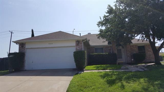 Rental Homes for Rent, ListingId:33599369, location: 5205 Summer Creek Court Arlington 76018