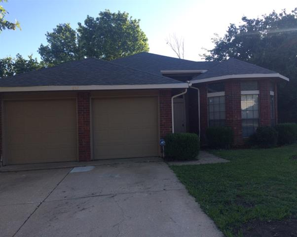 Rental Homes for Rent, ListingId:33969470, location: 837 Lovingham Drive Arlington 76017