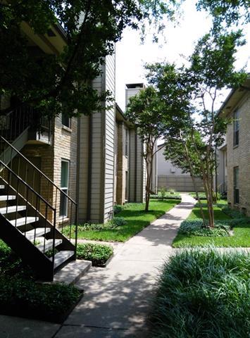 Rental Homes for Rent, ListingId:33715269, location: 10650 Steppington Drive Dallas 75230