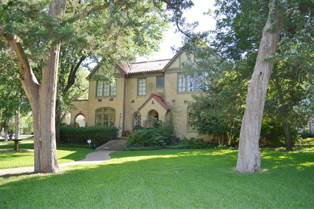 Rental Homes for Rent, ListingId:33715441, location: 1805 Mayflower Drive Dallas 75208