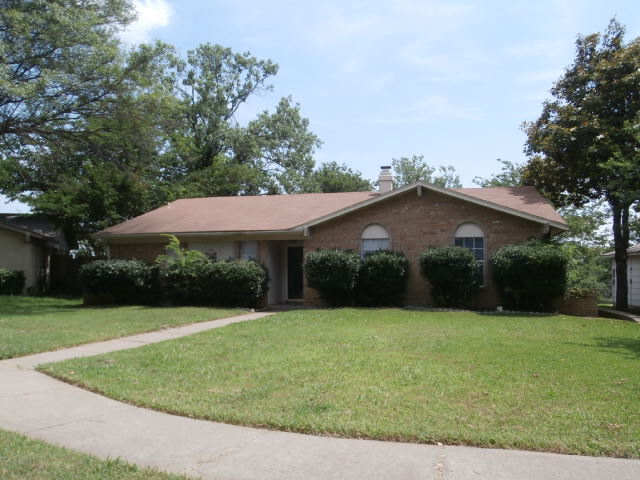 Rental Homes for Rent, ListingId:33716059, location: 930 Meadowdale Circle Garland 75043