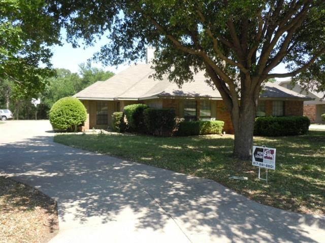 Rental Homes for Rent, ListingId:33767043, location: 1809 Crooked Lane Ft Worth 76112