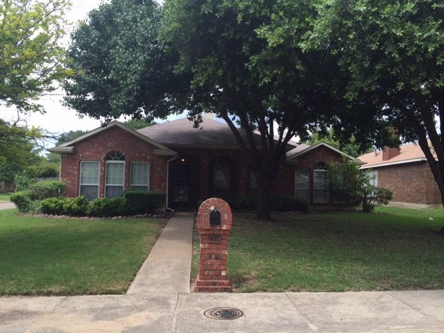 Rental Homes for Rent, ListingId:33779014, location: 7103 Rothland Street Dallas 75227