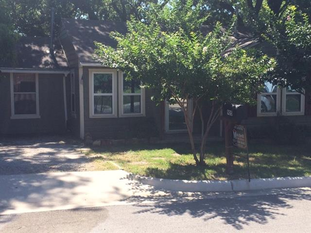 Rental Homes for Rent, ListingId:33787809, location: 905 S Alamo Street Weatherford 76086