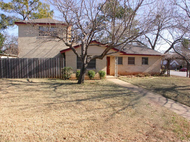 Rental Homes for Rent, ListingId:33912486, location: 611 Henslee Drive Euless 76040