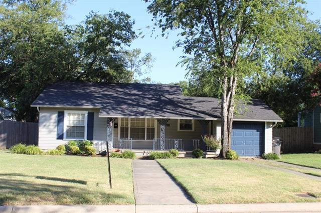 Rental Homes for Rent, ListingId:33820323, location: 6459 Greenway Road Ft Worth 76116