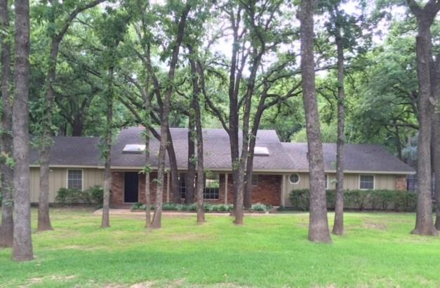 Rental Homes for Rent, ListingId:33845297, location: 4008 Spring Hollow Street Colleyville 76034