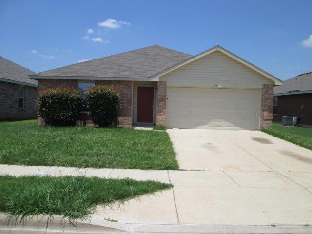 Rental Homes for Rent, ListingId:33843447, location: 1321 Castle Ridge Road Ft Worth 76140